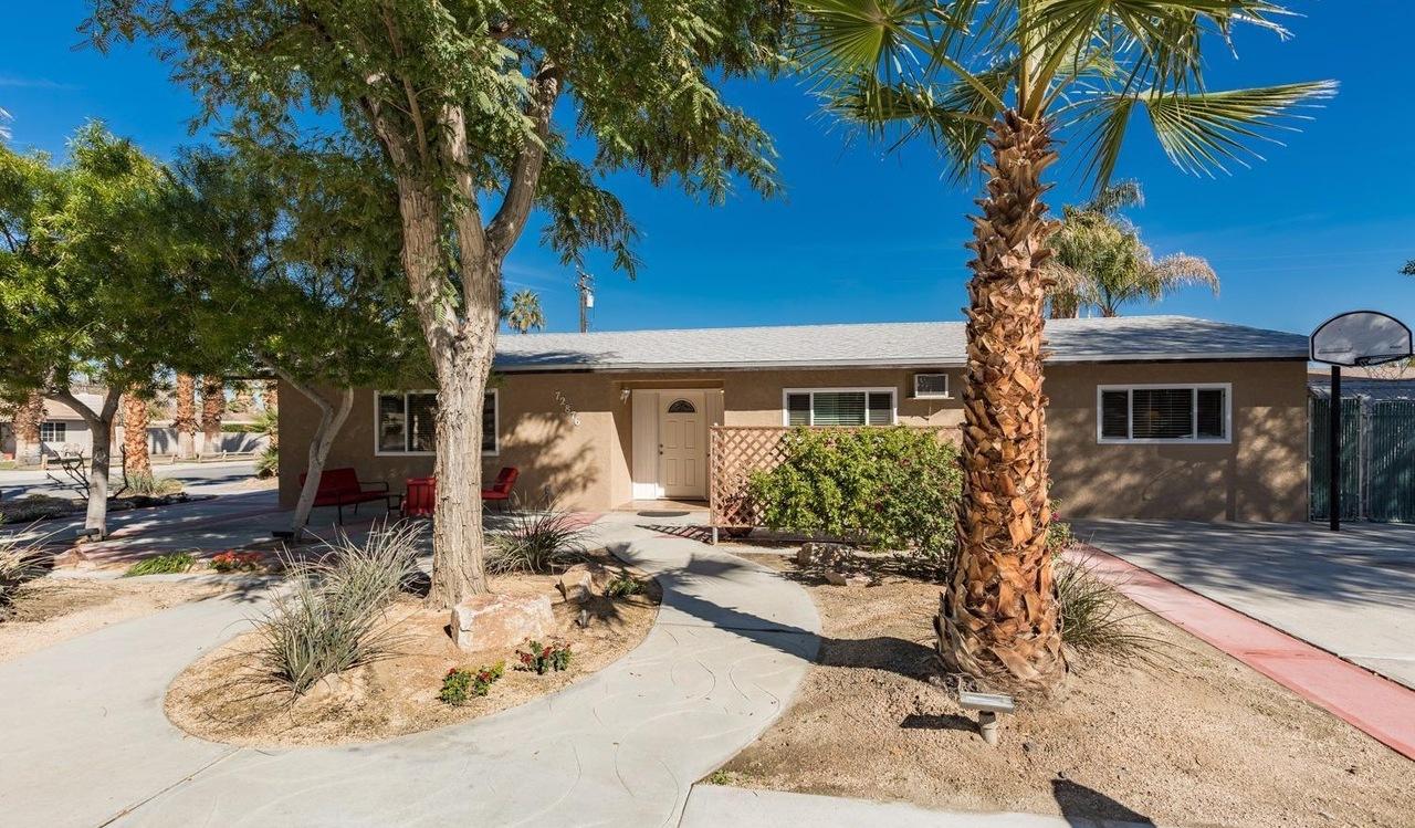 72876 Sierra Vista Rd, Palm Desert, CA 92260