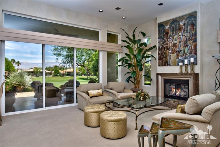 Living Room_880 Hawk Hill Trail